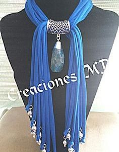 Collar color azul turquesa y plata. Scarf Necklace, Fabric Necklace, Scarf Jewelry, Textile Jewelry, Fabric Jewelry, Diy Necklace, Beaded Jewelry, Jewellery, Necklaces