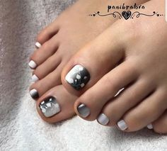 Looking for new and creative toe nail designs? Let your pedi always look perfect. We have a collection of wonderful designs for your toe nails that will be appropriate for any occasion. Be ready to explore the beauty and endless creativity of nail art! Black Toe Nails, Pretty Toe Nails, Pretty Pedicures, Stiletto Nails, Best Toe Nail Color, Nail Polish Colors, Toenail Color, Pedicure Nail Art, Toe Nail Art