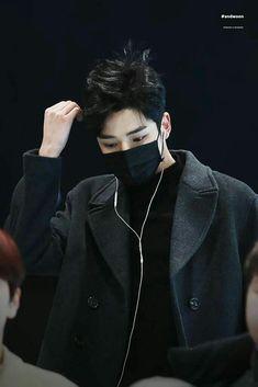 Rowoon in black is my religion Asian Boys, Asian Men, Bad Boys, Cute Boys, K Pop, Neoz School, Taehyung, Sf 9, Kdrama Actors