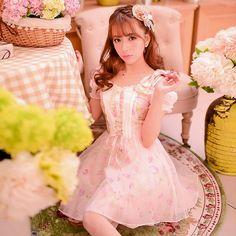 Fabric: Chiffon Lace    S: Bust 84 cm, Waist 68 cm, Shoulder 20 cm, Sleeves 54 cm, Dress length 76 cm  M: Bust 88 cm, Waist 72 cm, Shoulder 20.5 cm, Sleeves 54 cm, Dress length 78 cm  L: Bust 92 cm, Waist 76 cm, Shoulder 21 cm, Sleeves 55 cm, Dress length 80 cm