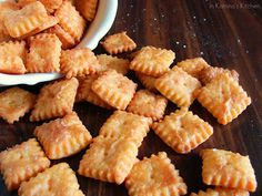Homemade Cheese Crackers -YUM! Don't these look great?