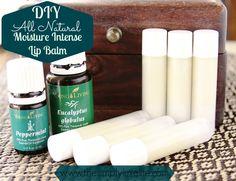 Natural Moisturizing DIY Lip Balm | http://www.thesimplyluxelife.com/p=936