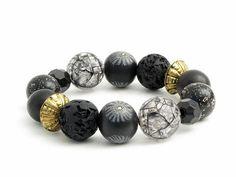Handgefertigtes Armband aus einzigartigen schwarzen Polymer