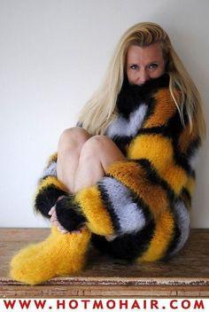 Long Sweater Coat, Winter Sweater Outfits, Fluffy Sweater, Mohair Sweater, Winter Sweaters, Wool Sweaters, Sweaters For Women, Knitwear Fashion, Knit Fashion