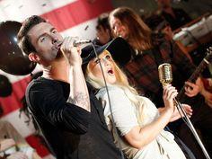 Maroon 5 debutó su nuevo video con Christina Aguilera el pasado lunes 8 de agosto. La canción Moves like Jagger de su tercer álbum Hands All Over es la #1 en las listas de iTunes de Estados Unidos.  La banda cuenta con 7 nominaciones al GRAMMY a lo largo de su trayectoria y actualmente se encuentra de gira en Estados Unidos con TRAIN y Gavin DeGraw, quien tuvo que retirarse de algunos shows debido al asalto que sufrió el fin de semana pasado.