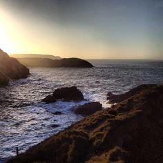 Asturias. En el Museo de Anclas de Salinas, con vistas a la Playa del Cuerno y más allá. Spaces, Water, Outdoor, Anchors, Museums, Beach, Naturaleza, Gripe Water, Outdoors
