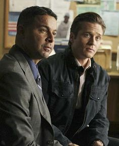 tv show castle photo gallery | Castle Pictures, Jon Huertas Photos, Seamus Dever Pics - Photo Gallery ...