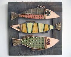 Fish ceramic Más - I could really see these guys done in Raku! Ceramic Clay, Ceramic Pottery, Cerámica Ideas, Wood Fish, Pottery Classes, Ceramic Animals, Fish Design, Paperclay, Fish Art