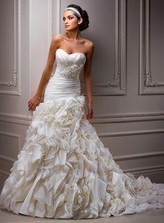 Maggie Sottero Alandra A3531 layers of organza, asymmetrical waist, White Size 20