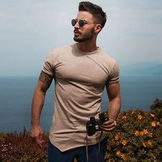 fashion 2020 - what are your best mens fashion trends? visit our blog for more inspiration and articles on mens fashion #mensfashion #mensstyle #casualcloset Fashion 2020, Daily Fashion, Fashion Trends, Gym Routine, Gym Gear, Best Mens Fashion, Lifestyle Trends, Gym Shorts, Cheap Shirts