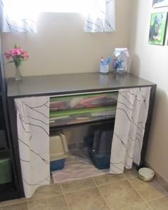 Curtains Hide Litter Boxes Basement Table - keep in mind for multiple cats and like OMG! get some yourself some pawtastic adorable cat apparel! Hiding Cat Litter Box, Diy Litter Box, Hidden Litter Boxes, Patio Ideas For Dogs, Pet Station, Cat Hacks, Cat Dog, Sweet Home, Cat Furniture