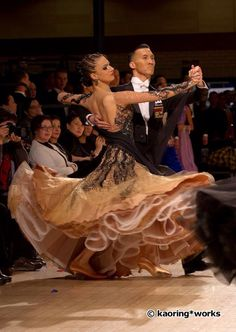 Not the typical colors that stand out to be but this is a beautiful ballroom dress! Latin Ballroom Dresses, Ballroom Costumes, Ballroom Dance Dresses, Ballroom Dancing, Dance Costumes, Love Dance, Dance Wear, Dance Photos, Dance Pictures