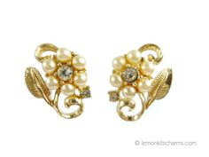 Vintage Coro Faux Pearl Floral Earrings Jewelry by LemonKitscharms