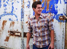 """Jon Pardi Describes the Sound of His New Music as """"Motown With Traditional Country"""" Male Country Singers, Country Music Artists, Country Music Stars, Jon Pardi, Nashville Star, Hot Country Boys, Country Life, New Artists, Male Artists"""