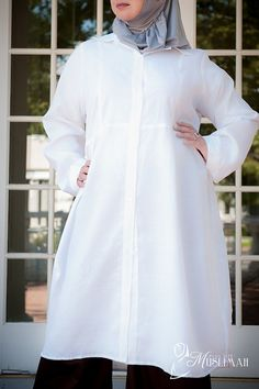 Work or Play Plus Size Long Blouse - Knee Length - $19.99 #modest #plussize #fashion #muslimah https://www.plussizemuslimah.com/product/white-linen-woven-long-tunic/