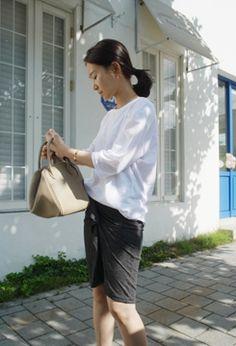 [Holicholic]ドレープスカート  フロントのドレープがドラマティックなアイテム♪  優れた伸縮性でヒップラインをタイトに包み込み  魅力的なボディーラインを演出☆