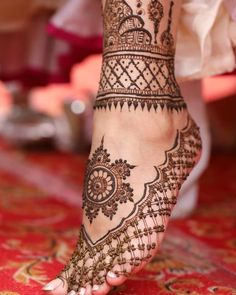 90 Beautiful Leg Mehndi Designs for every occasion - Sprüche - Henna Designs Hand Henna Mehndi, Henna Tattoos, Sexy Tattoos, Tattoos Bein, Leg Mehndi, Henna Tattoo Designs, Mehendi, Henna Mandala, Tattoos