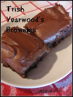 cookin' up north: Trish Yearwood's Brownies (brownie recipes banana) Chocolate Icing For Brownies, Brownie Icing, Chocolate Desserts, Mint Chocolate, Chocolate Chips, Brownie Recipes, Cookie Recipes, Dessert Recipes, Just Desserts