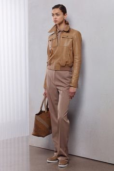 how do I always see a man in this lady ??? Bottega Veneta Resort 2016 - Collection - Gallery - Style.com