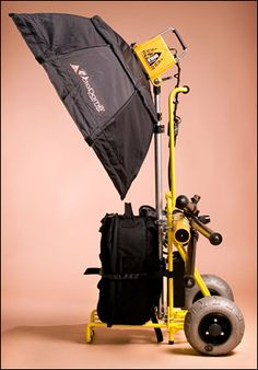 vlm_burke_bracket_03.jpg  Love this idea of a mobile lighting studio!