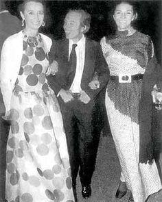 Manuel Pertegaz con la Condesa de Romanones, una de sus más fieles clientas y amigas.