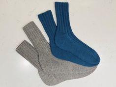 fikside – Strikkeoppskrift: Sunnivagenseren Felt, Socks, Beige, Sweaters, November, Fashion, Threading, November Born, Moda