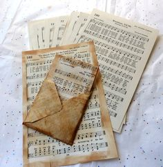ephemera pack, Vintage Music pages/ 30 pages/ vintage paper supplies/ junk journals/ smash books /scrapbooks/ hymnal book/ DIY Éphémères Vintage, Vintage Ephemera, Vintage Sheet Music, Vintage Sheets, Graphic 45, Junk Journal, House Journal, Journal Cards, Scrapbook Supplies