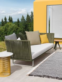 Ordinaire Modern Outdoor Furniture With Braided Textiles