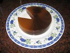 Dulce de batata. El dulce de batata es un postre tradicional en Argentina, Paraguay y Uruguay, hecho a base de batata. Es una jalea dulce, parecida a una mermelada espesa por su textura sólida. Su color tradicionalmente es de un color oscuro semejante al caramelo.