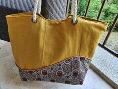 Sac Samba jaune et tissu à rosaces cousu par Audrey - Patron Sacôtin