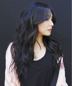 Most Demanded Versatile Long Hairstyles With Blue Black Hair Color Ideas Worth Checking Out for Pretty Girls and Women to Consider Right Now. Tiffany Hwang, Blue Black Hair Color, Blue Hair, Black Hairstyles With Weave, Weave Hairstyles, Snsd, Korean Hair Color, Korean Long Hair, Golden Blonde Highlights