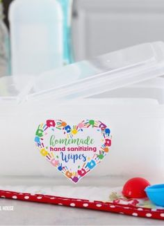 - Homemade Hand Sanitizing Wipes – 2 ingredient DIY Homemade Hand Sanitizing Wipes Tutorial Use the - Best Thanksgiving Recipes, Easter Recipes, Appetizer Recipes, Yummy Appetizers, Colored Deviled Eggs, Smart School, Crafts For Kids, Diy Crafts, Outdoor Christmas