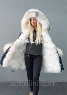 Fur Fashion, Winter Fashion, Fur Skirt, White Fur Coat, Winter Fur Coats, Fur Accessories, Fur Clothing, Mode Hijab, Fur Collars