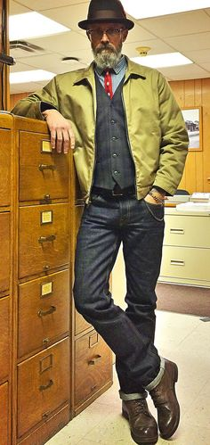 Brave Star Outsider Cramerton selvage twill jacket, Brave Star 15oz Cone Mills selvage denim jeans, thrift store vest, shirt and 50's tie, Red Wing Beckman boots, 1950's Stetson Homberg hat.