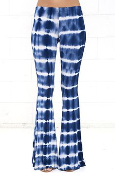 Foxglove Fairy Blue Tie-Dye Flare Pants at Lulus.com!