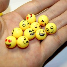 Find More Beads Information about 50 PZ / Batch Free Delivery 12 MM Bead Jewelry DIY BEADS HANDMADE BEADED Acrylic Beads Single Yellow Smiley Face,High Quality jewelry king,China jewelry baggies Suppliers, Cheap jewelry beads and stones from Dream within a dream on Aliexpress.com