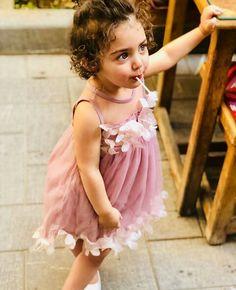 Beautiful Little Girls, Cute Little Girls, Beautiful Children, Cute Baby Girl Pictures, Baby Photos, Cute Kids Photography, Cute Baby Wallpaper, Cute Babies, Twin Babies