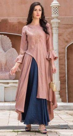 Super Dress Long Classy Velvet 63 Ideas - All About Stylish Dress Designs, Designs For Dresses, Stylish Dresses, Silk Kurti Designs, Kurti Designs Party Wear, Designer Kurtis, Indian Designer Outfits, Designer Dresses, Fancy Kurti