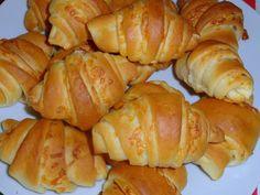 Szezámmagos minikiflik   Nosalty Hungarian Recipes, Pretzel Bites, Scones, Food And Drink, Potatoes, Vegetables, Delicious Snacks, Kuchen, Food And Drinks