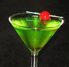 Love Me Dew Martini oz. Fun Cocktails, Cocktail Drinks, Fun Drinks, Alcoholic Drinks, Green Fairy, Partying Hard, Hampton Roads, Jello Shots, Mountain Dew