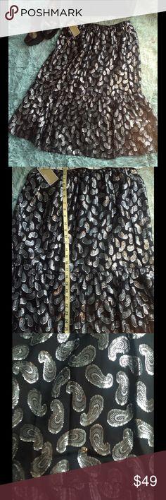 Michael Kors Skirt Reg $130 Shiny 🎁MEDUIM Michael Kors SKIRT Medium stretchy waist Reg $130 Michael Kors Skirts