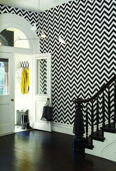 Self adhesive vinyl temporary removable wallpaper, wall decal - Classic black & white chevron- 010