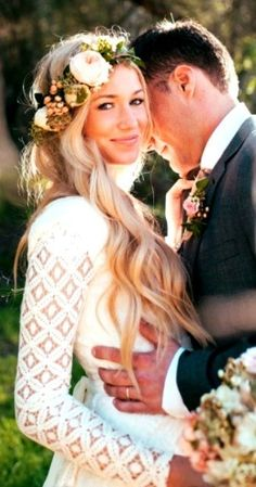 wavy wedding hairstyles Wavy Wedding Hair minus the floral crown Wedding Pics, Wedding Bells, Boho Wedding, Dream Wedding, Floral Crown Wedding, Fall Wedding, Wedding Gowns, Trendy Wedding, Wedding Flowers