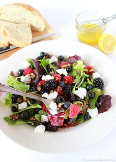 Triple Berry, Chevre, Candied Pecan Salad- a fruity, healthy, delightful lunch or dinner! Side Recipes, Fruit Recipes, Summer Recipes, Healthy Living Recipes, Vegetarian Recipes, Healthy Foods, Kale Avocado Salad, Candied Pecans For Salad, Berry Salad