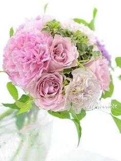 ウエディングブーケ専門ショップ・アフロディーテ(Wedding Bouquet Aphrodite)  シルキーピンク×グリーンの爽やかブーケ