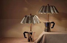 Lámpara hecha con una cafetera reciclada