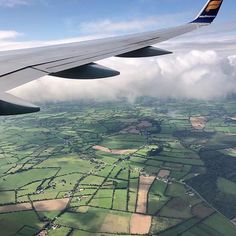 #WindowseatWednesday by Geni Venable (@g_venable)  WINDOW VIEW TIP ||  If you're traveling solo and got dealt a middle or aisle seat by default - you can still grab that window seat and that too for free! Arrive at your boarding gate early - at least an hour before boarding for the best chance of getting a switch. Ask the gate agent politely if there's any way to switch you to a window seat. If they are not able to do anything then stay close to the desk. Wait until the end of boarding time to board and ask again.   GET FEATURED ||  Every Wednesday post a window seat view using the hashtag #windowseatwednesday.   HASHTAGS ||  #stayandwander #nakedplanet #getoutstayout #outdoor #travelforever #sharetravelpics #travelforlife #livetravelchannel #fodorsonthego #travelandleisure #yahootravelexplorers #officialtravelpage #neverstopexploring #lifeisgood #travelgram #traveldeep #alifewelltraveled #everythingeverywhere #thewandertribe #soultravelers #windowseatview #windowseat #windowviews #windowseatplease #viewfrommywindow #mypov #culturetrip Looking Out The Window, What Do You See, Window View, Travel Channel, Never Stop Exploring, Travel And Leisure, Solo Travel, Travel Pictures