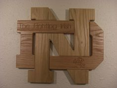 Great for the Irish fan in your life. x Notre Dame fighting Irish. Irish Fans, Go Irish, Diy Wood Projects, Wood Crafts, Projects To Try, Router Projects, Noter Dame, Bf Gifts, Sport Craft