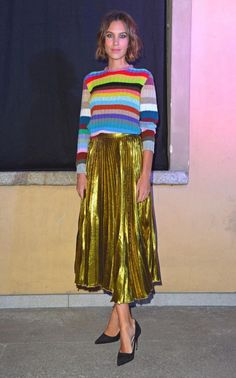 Alexa Chung shows us how to do metallics right. Alexa Chung shows us how to do metallics right. Metallic Pleated Skirt, Pleated Midi Skirt, Gold Skirt, Midi Skirts, Lace Skirt, Sequin Skirt, Alexa Chung Style, Weekend Dresses, Weekend Style