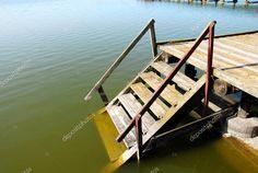 Schody drewniane do wody — Obraz stockowy #2937716
